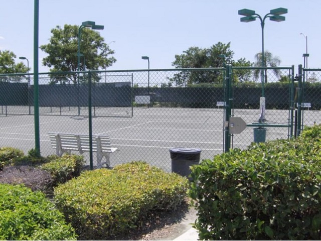 Lakeside Tennis Courts