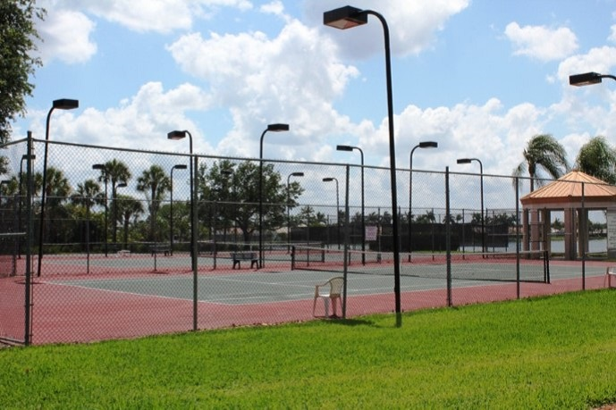 Emerald Lakes Tennis Courts