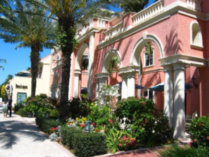 About Naples FL, Fifth Avenue in Olde Naples