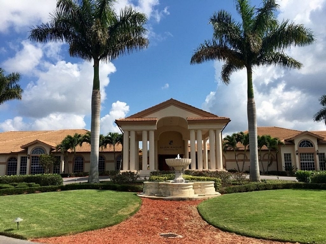 Glen Eagle Golf and Country Club, Club House, Naples Fl