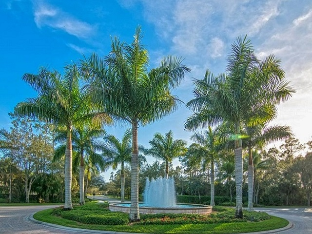 Tarpon Bay Fountain