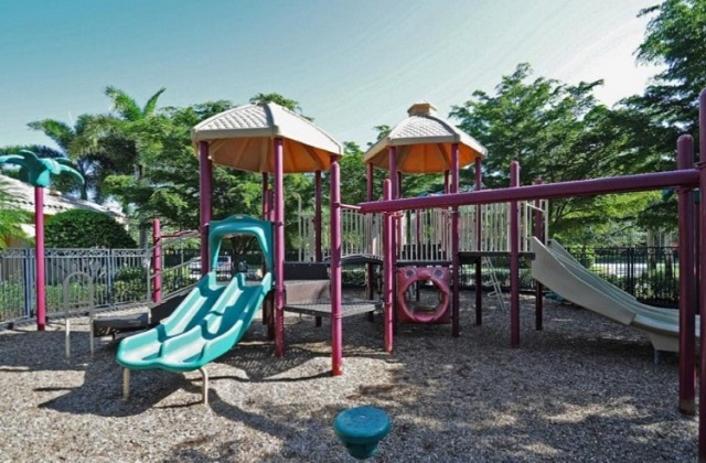 Saturnia Lakes Childrens Play Area